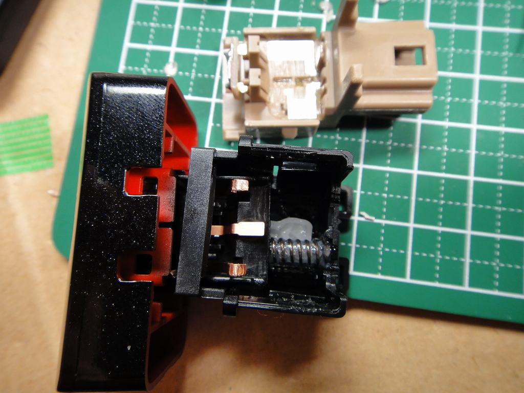 【C27】カメラボタン・インテリジェントパーキングアシストボタンLED打ち換え②