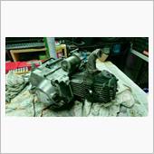 ヘッドサイドカバーを取り付け、タペット調整が終わり、エンジンが組み上がりました。<br /> あとは載せるだけです。