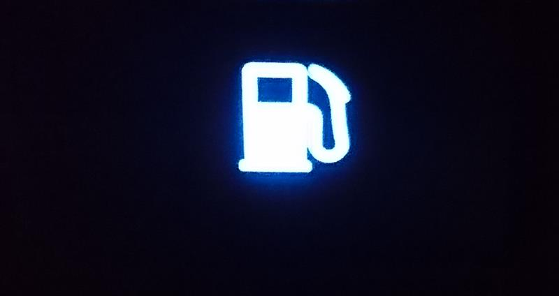 給油口スイッチ交換(発光式)