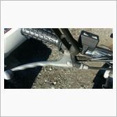 ブレーキの根元が折れたので修理です。