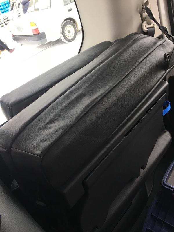 C27 人生初のシートカバー取り付け(クラッツィオ ネオ)