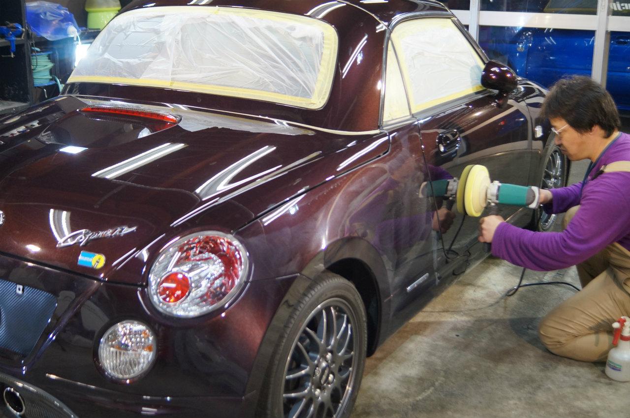 塗装面を整え終えてys special 1層目ガラス系被膜 new versionガン吹き完了です。