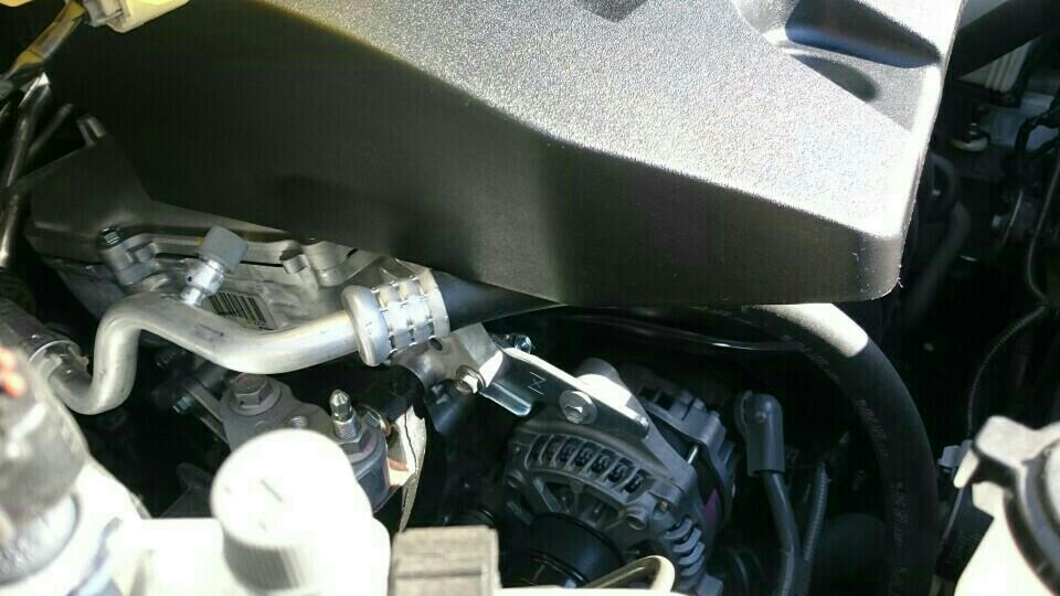 エンジンカバー取り付け