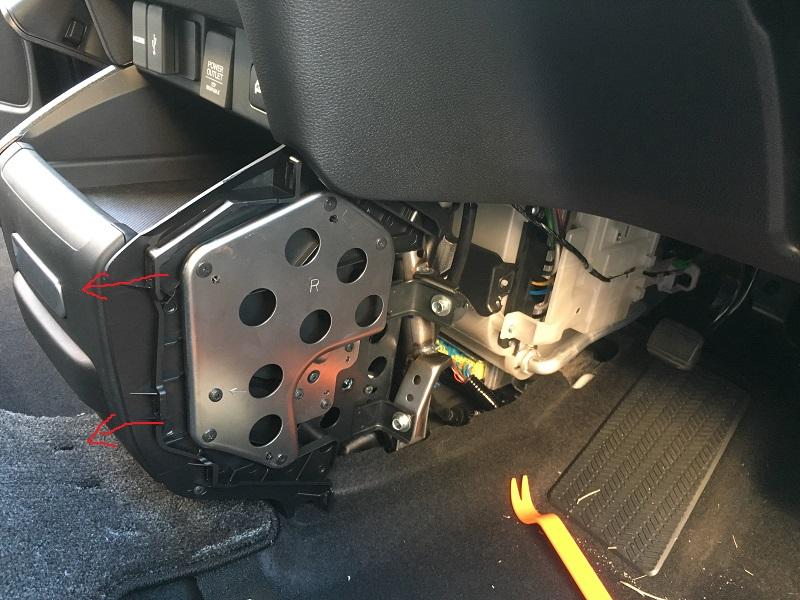 HDMI接続でナビとリアモニターを同時に視聴する