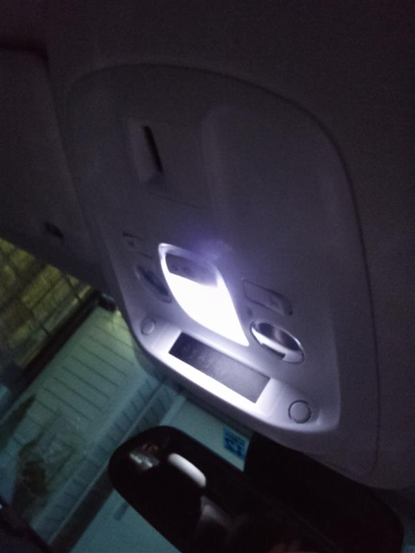 室内灯LED取り替え不可