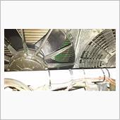 サーブラウのラジエターはサイドフローなので、コアの何処かに穴が開いてるものと断定。<br />