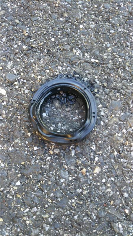 プロペラシャフトオイル漏れ修理