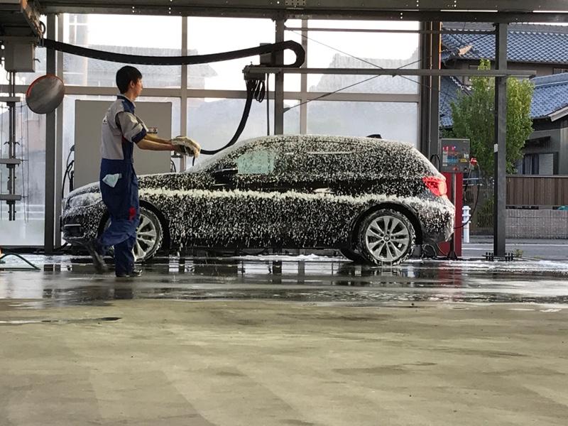keeper LABOさんにて洗車中