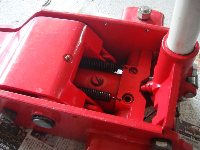ガレージジャッキのオイル交換