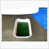 古いクーラントを抜いて、フラッシング液+クエン酸を水道水で希釈して30分ほどアイドリング。