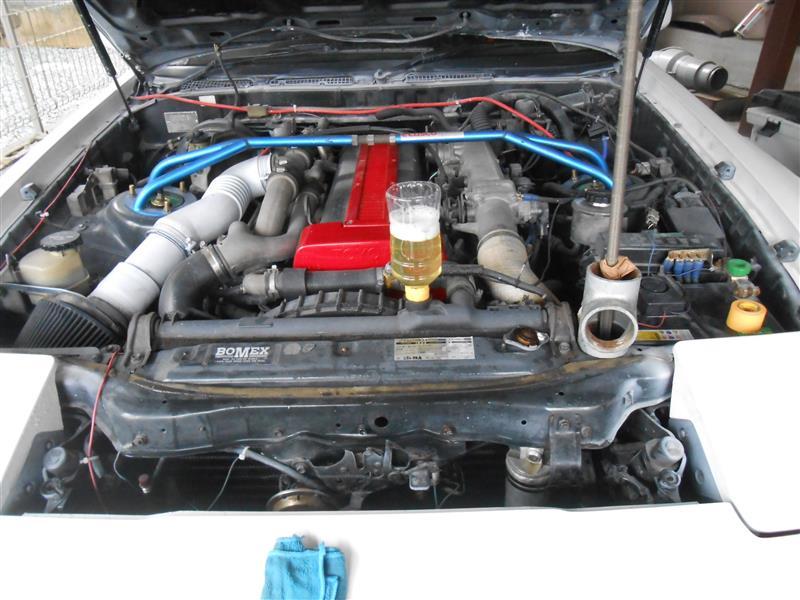 フラッシング液は腐食性もあるので内部清掃、ラジェータードレンを少し開け、上から冷却水を補給しつつアイドリング。<br /> <br />  その後2回ほど内部液を全交換。