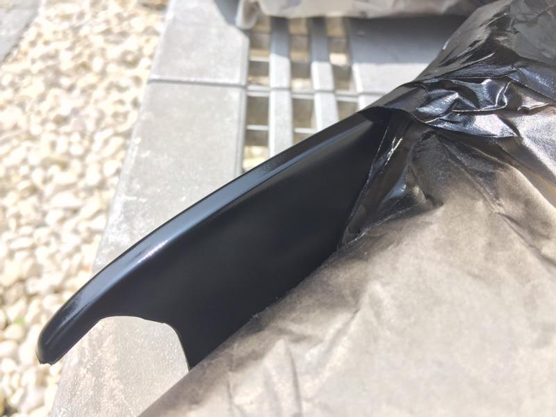 メッキのフォグカバーを塗装(黒を入れる3回目)