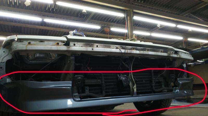 AW11の前後バンパー塗装