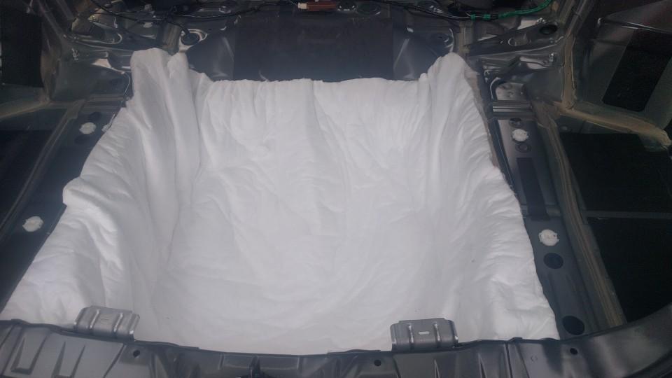 天井のデッドニングと断熱&フロントブラックアウトVol.2