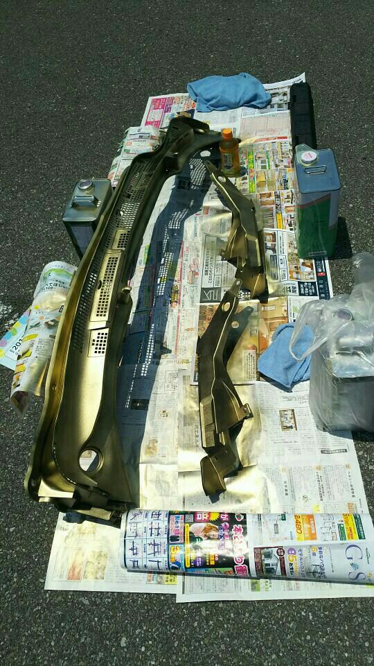 カウルトップ、エンジンカバー塗装