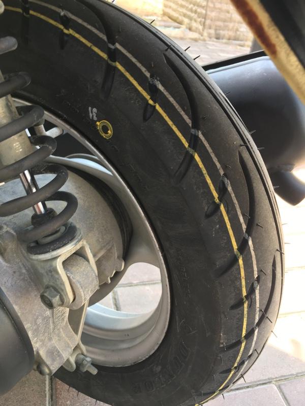 後輪タイヤ交換