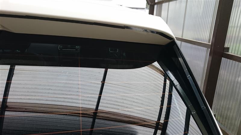 アルミテープでリアガラスの埃低減する アルミテープチューニング