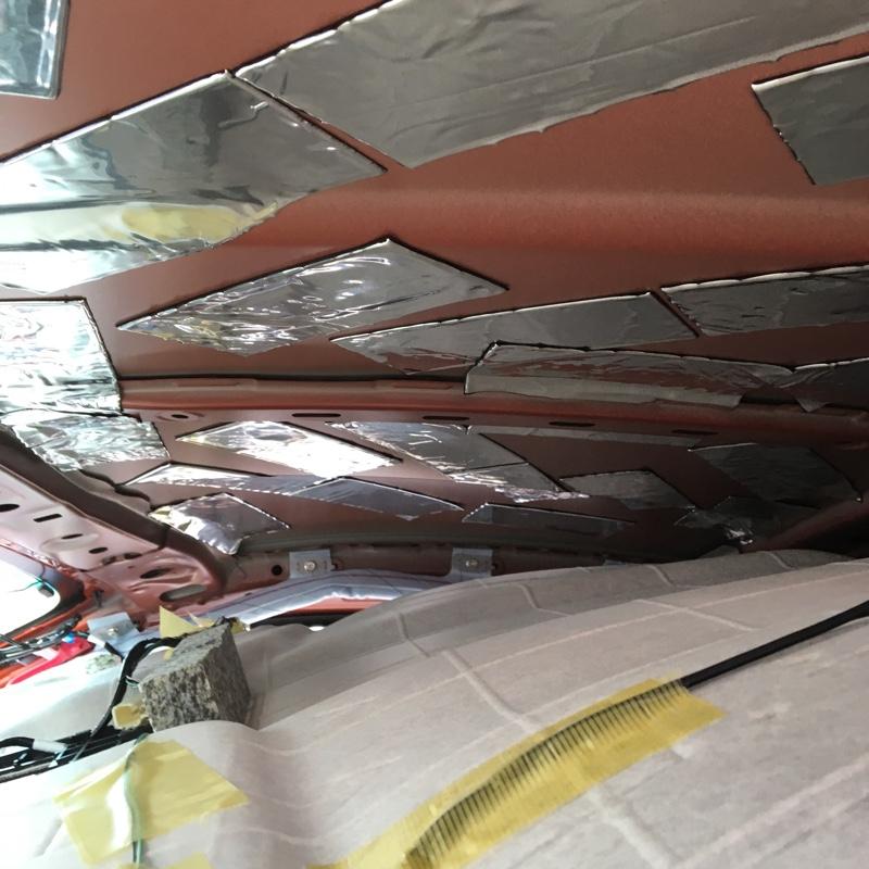 天井をデッドニング