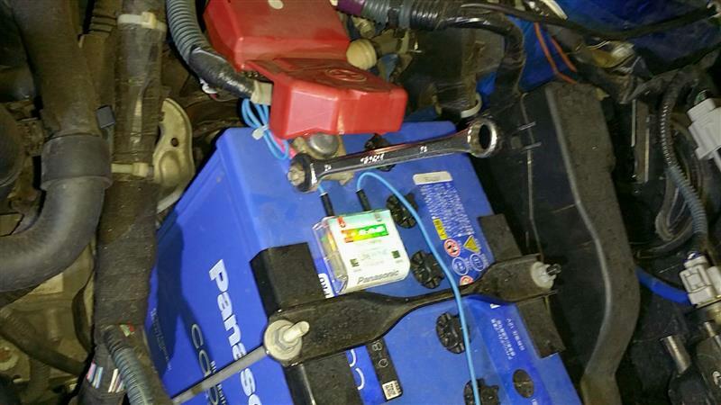 バッテリープラス端子ナット増し締め、各部点検増し締め