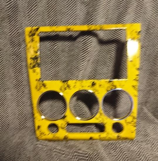 完了画面です。途中の画像無しです。<br /> 脱脂し、プライマー、黄色ラッカー、水性の黒色で模様、アクリルニス、最後にクリアーで仕上げ。<br /> シールは、気泡やメクレが出てくるからな~