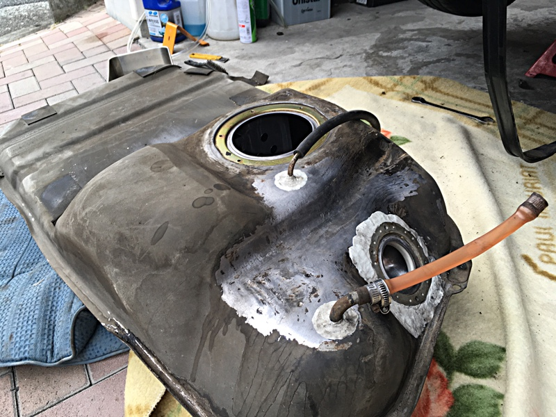 ガソリンタンクの漏れ補修