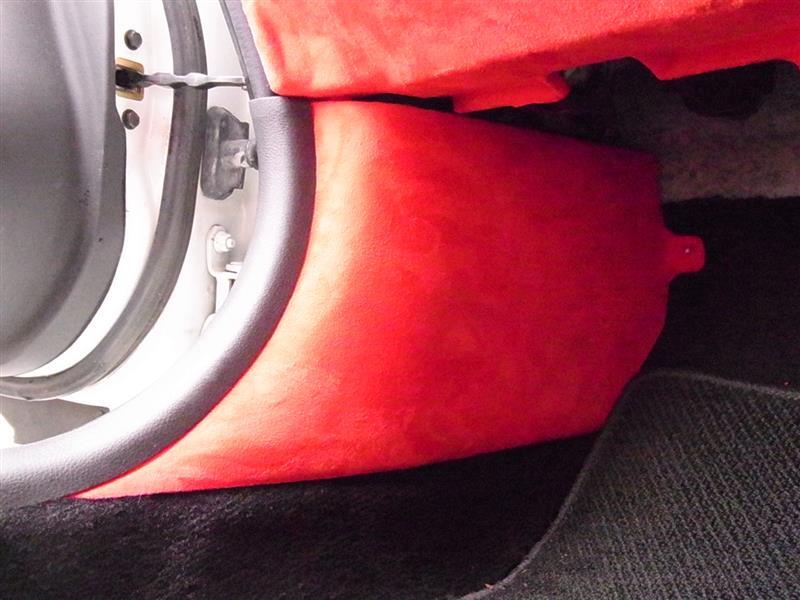 フェアレディZ33ロードスターの内装張替え 作業⑤ スエードシート貼り センターコンソール編