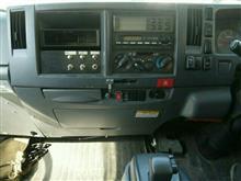 エルフトラック 前車からナビの移植(/・ω・)/のカスタム手順1