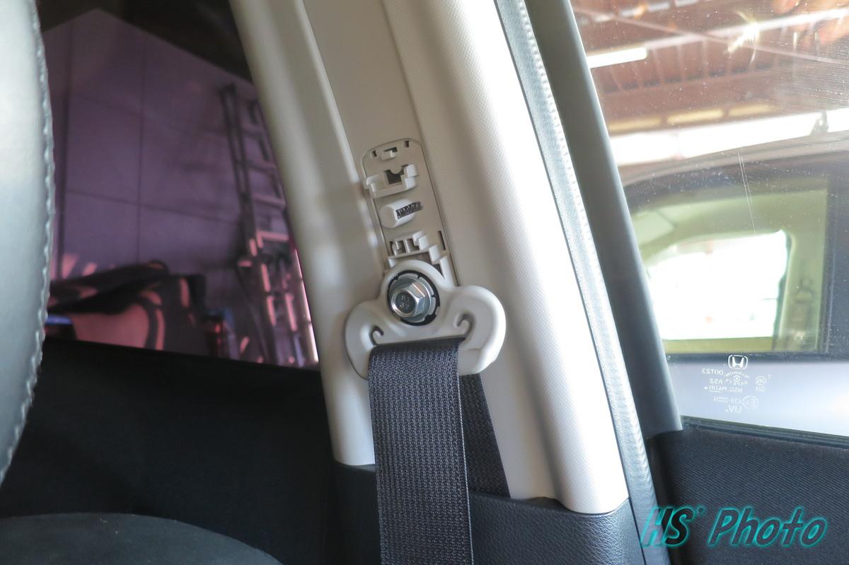 シートベルト高さ調整ボタンの戻し方w