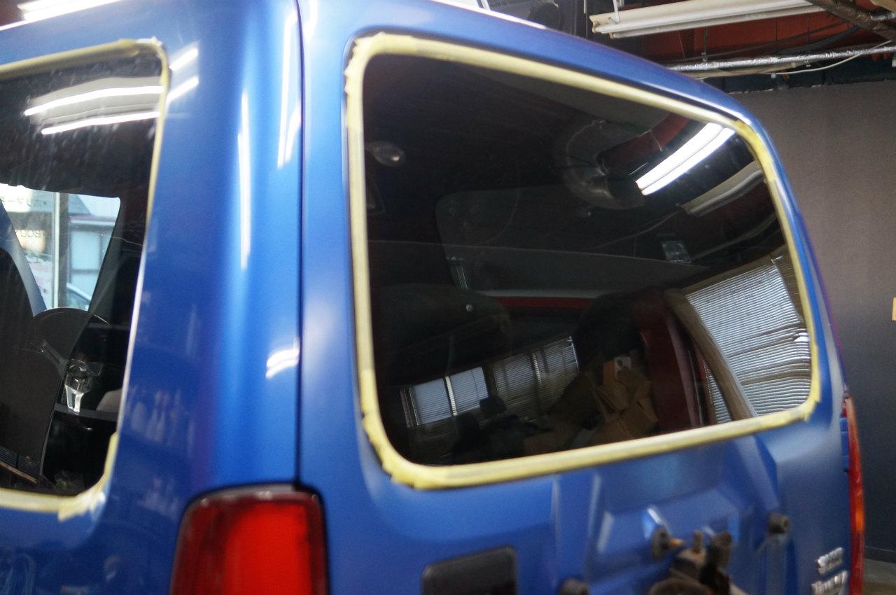 ジムニー ヘッドライトコーティング 強力ガラス撥水にて御入庫頂きました^^