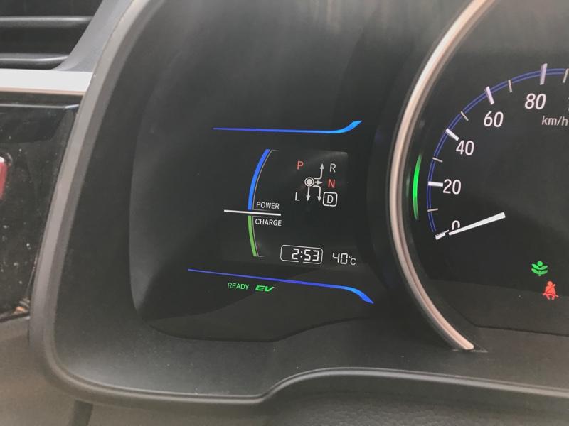 給油口 カーボン風カッティングシート貼り