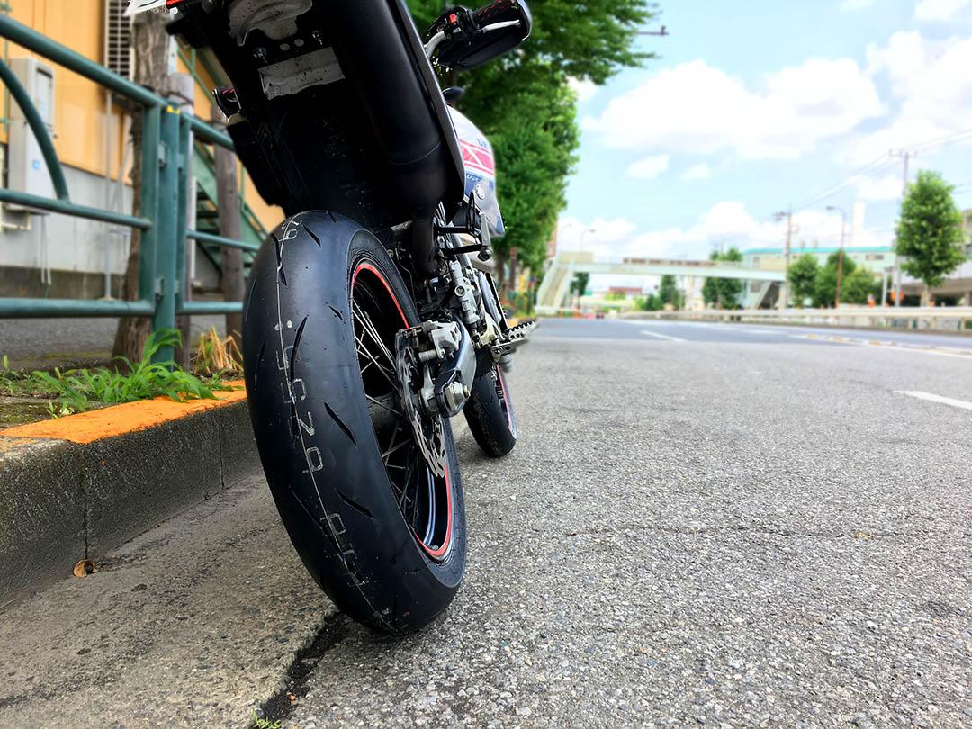 【炎天下】タイヤ・ブレーキパッド・プラグ交換