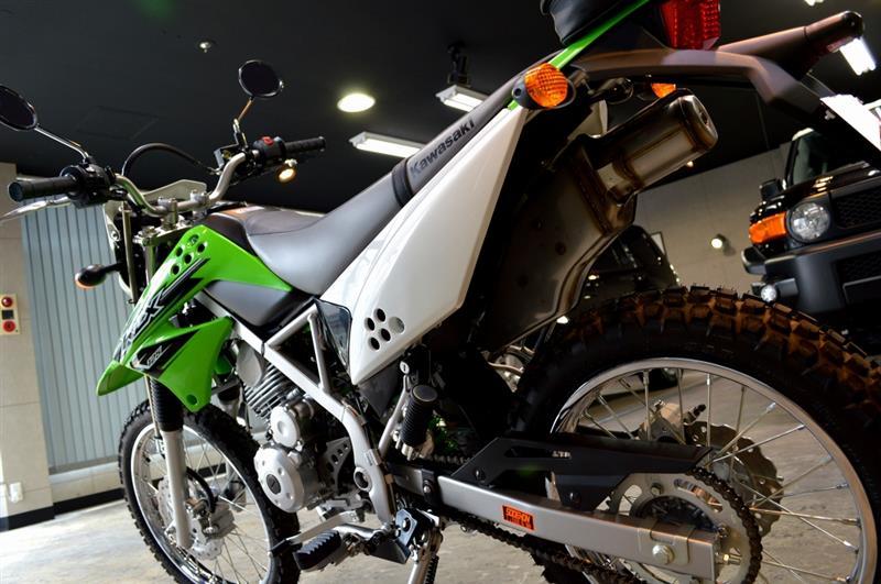 アタックマシン!! Kawasaki KLX125のガラスコーティング【リボルト千葉】