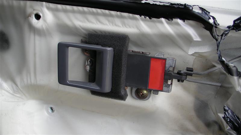ドアクラッチ交換(半ドア警告灯つきっぱなしによる原因追及作業)