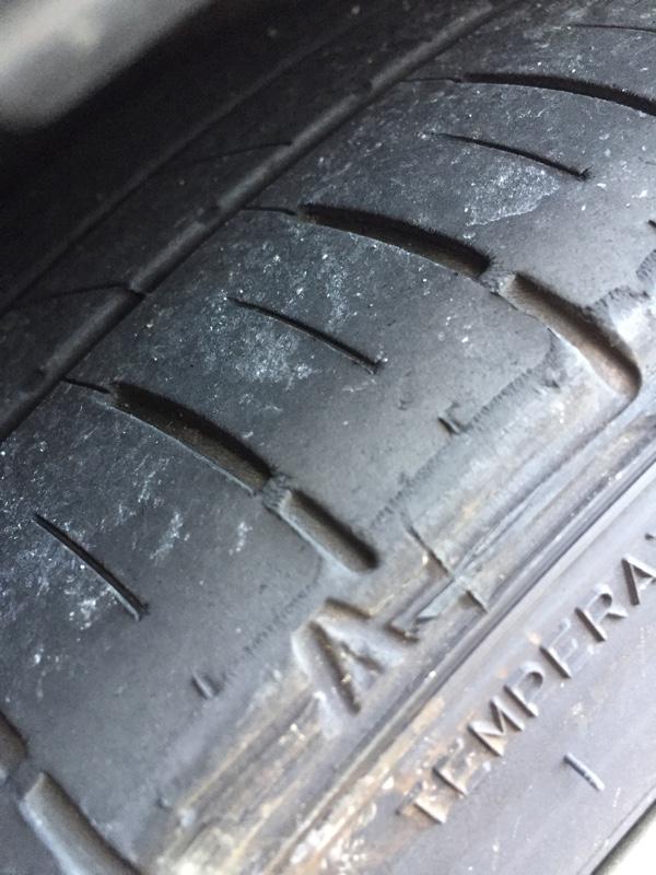 タイヤ交換(ツルツルからバリ溝へ)☆彡