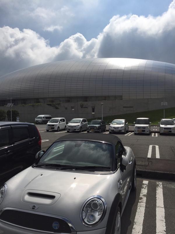 夏休みはR56を弄ろうと計画しています。<br /> <br /> 富士市の巨大UFO?前で記念撮影📸