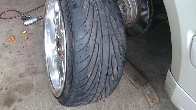 タイヤ剥き変え