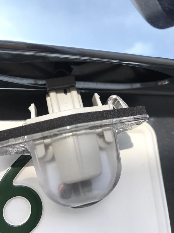 ナンバー灯のLED化+カバーレンズ交換