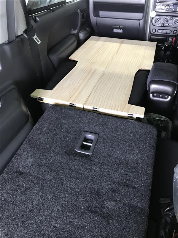 車中泊仕様への自作。