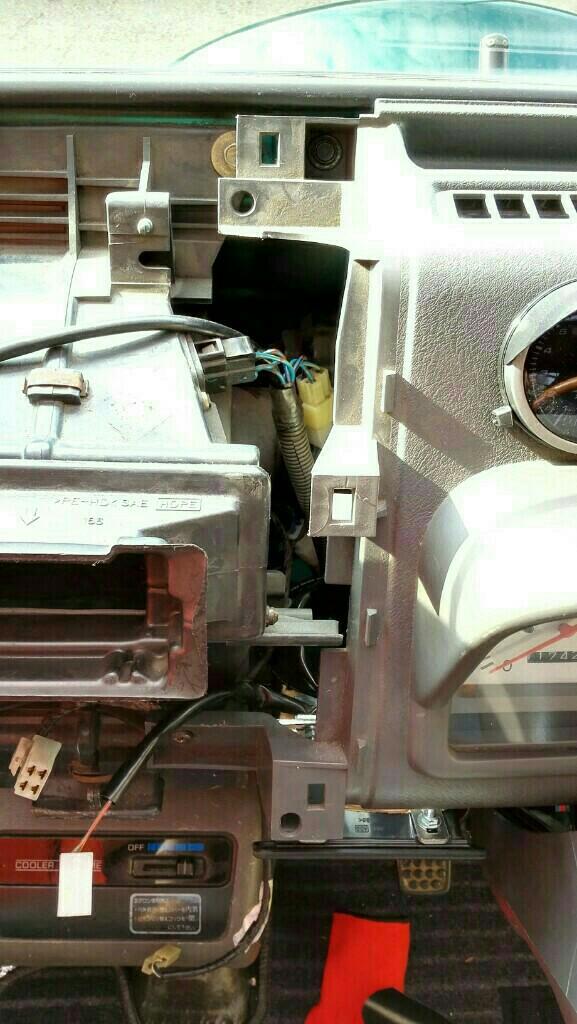 ミゼットⅡ インパネの取外しとメーター交換