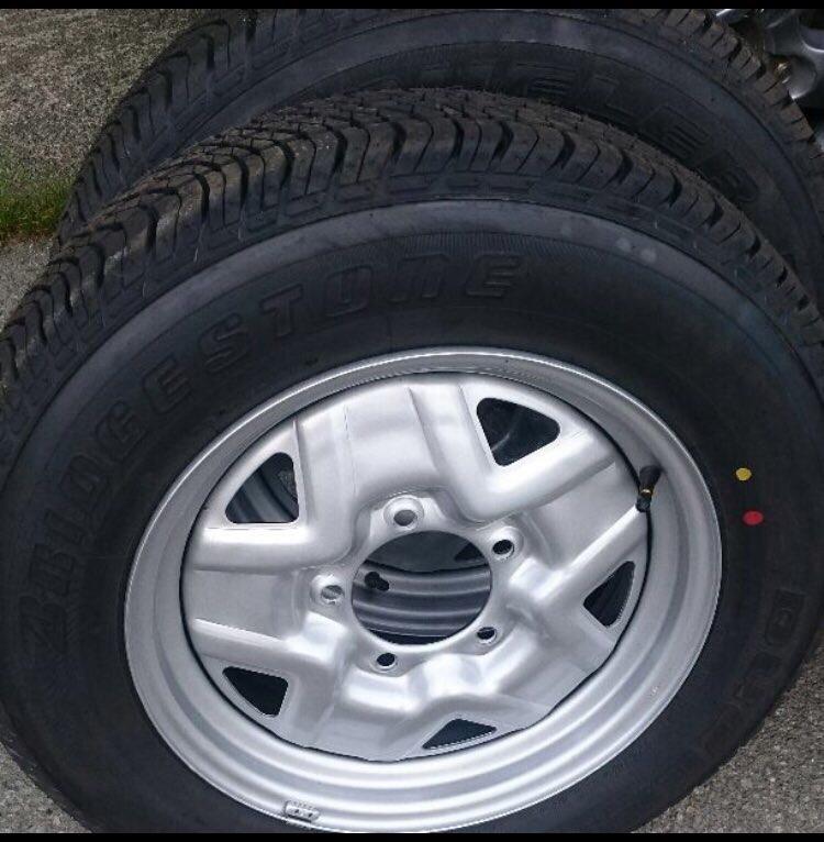 純正タイヤ 塗装