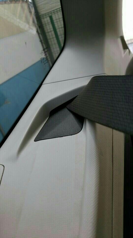 tS用シートベルトカバーの取付とラゲッジランプ再交換