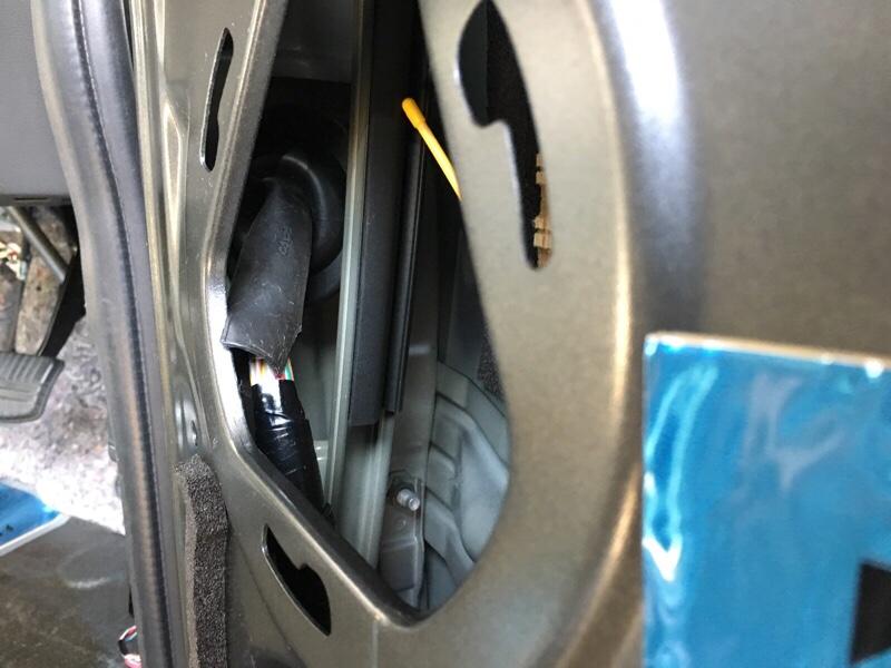 音質改善4:フロントドア・スピーカーケーブル配線