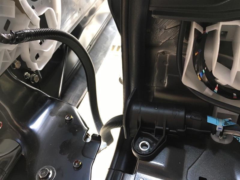 音質改善5:スライドドアのスピーカーケーブル配線