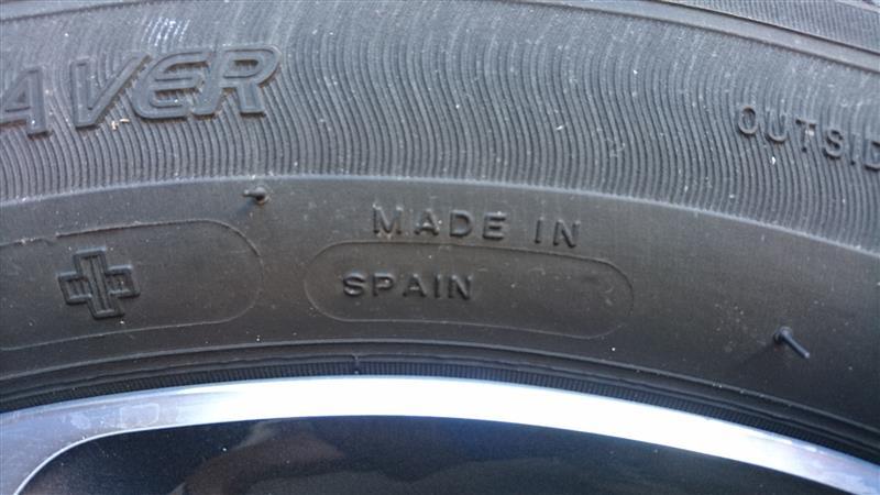 タイヤ履き替え。