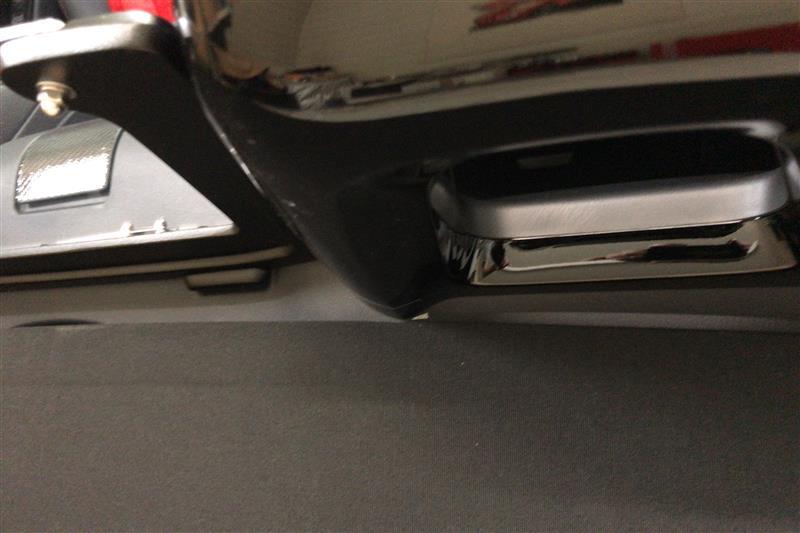 シートバックベゼルの交換と幌の調整