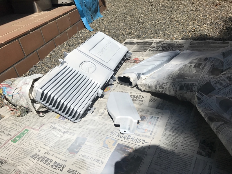 エンジンカバー塗装
