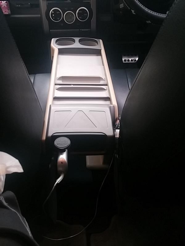 後ろから。シートに当たってますがスライドOK。