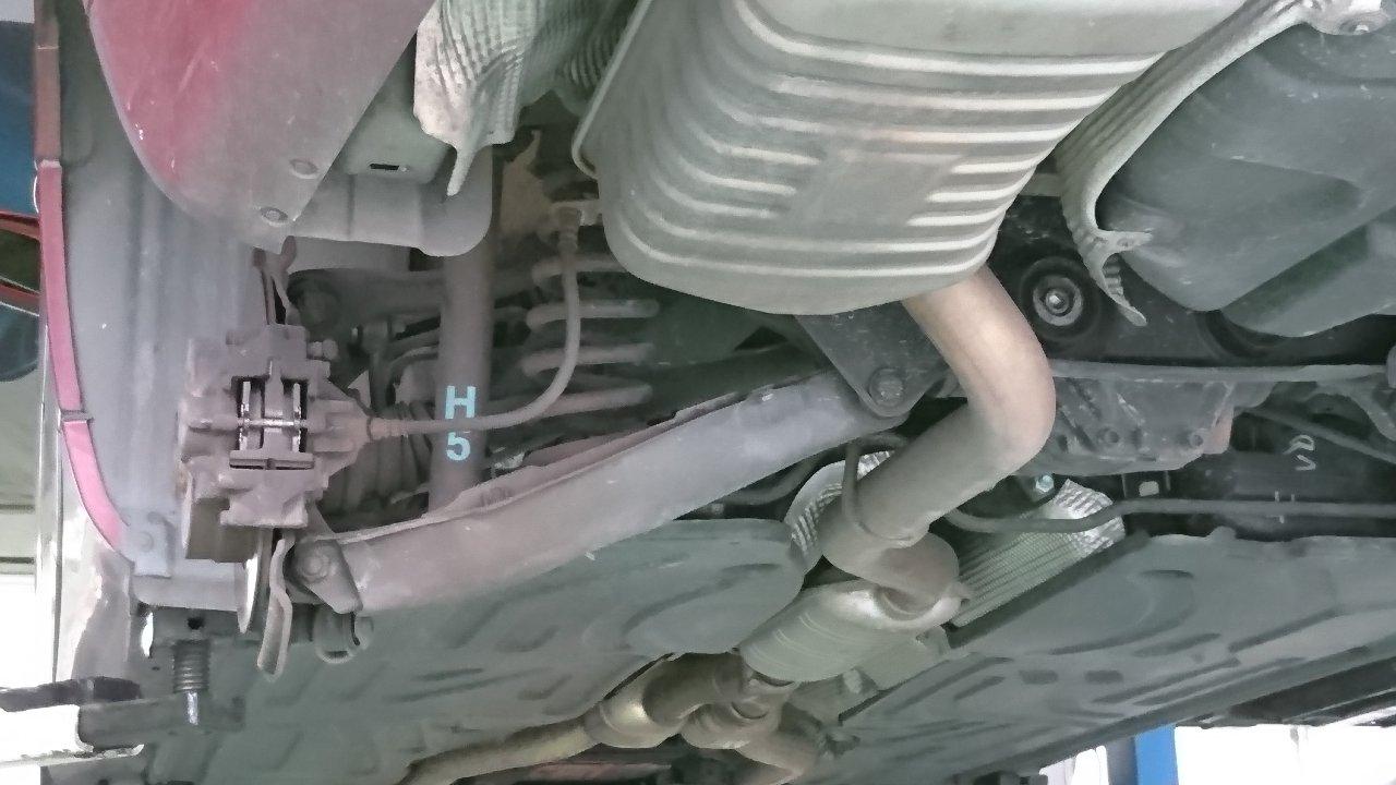 リヤ・ブレーキパッド交換