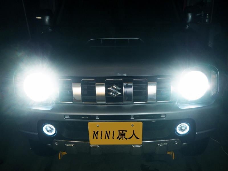 新戦友ジムニさん、車幅灯の明るいLED化です。