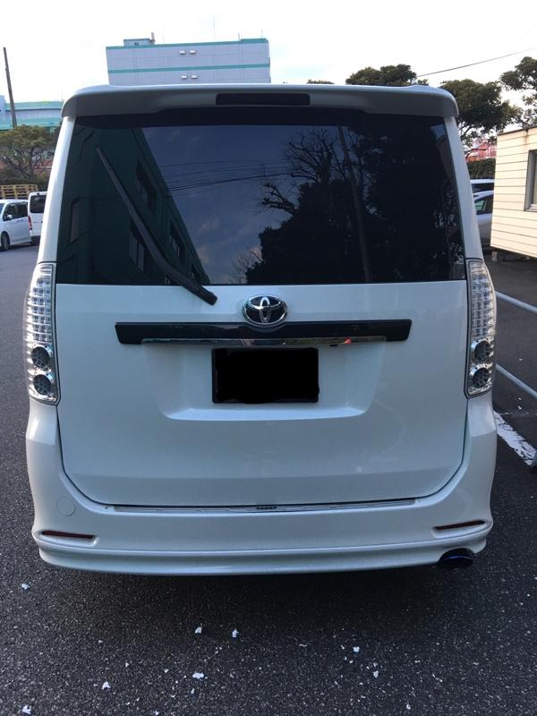 リアガラスステッカー全剥がし&運転席側ステッカー貼り替え